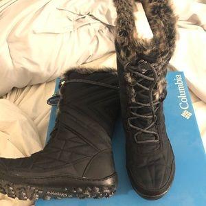"BRAND NEW Columbia ""Minx Mid III"" Tall Boot"